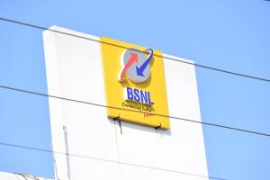 BSNLs 4G tender cancelled DoT may issue fresh one excluding Huawei and ZTE