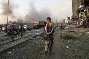 Beirut blast Lebanon begins 3-day mourning gets international assistance
