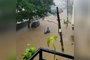 Videos show how areas in Bengalurus Hosakerehalli were flooded within hours