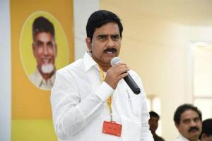 TDP leader Umamaheswara detained while protesting against AP minister Kodali Nani