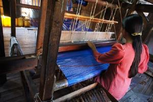IMG Reliance British Council sign agreement to support female textile artisans