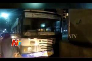 TSRTC bus runs amok near Secunderabad railway station one killed