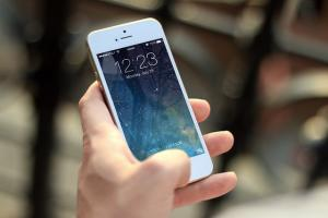 Hacking a terror suspects iPhone What the FBI can do now that Apple said no