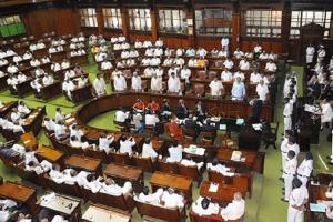 BJP MLAs disrupt Karnataka Assembly but dont move no-confidence motion