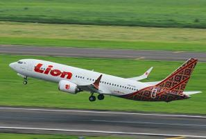 Lion Air flight carrying 188 passengers crashes minutes after takeoff from Jakarta