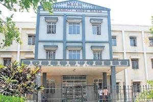 Superintendent of Telangana hospital resigns amid rising COVID-19 cases triggers row
