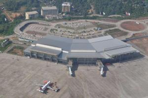 Mangaluru airport says they stop flight landings on tabletop runway during heavy rains