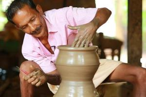 Traditional potters in TN counting on Pongal to revive their business