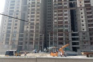 Photo essay In Hyderabads IT suburb a layer of construction dust engulfs citizens