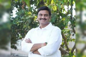 YSRCP rebel MP sends legal notice to Andhra CID asks for his seized phone back