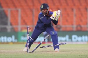 Rishabh Pant support staff Dayanand Garani get COVID-19 isolated in London