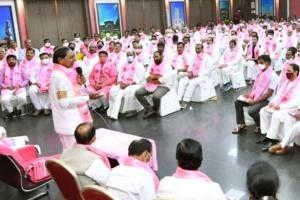 TRS delegation to study what makes DMK AIADMK survive for generations