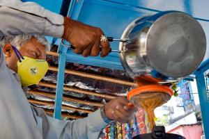 TN lockdown Tea sweet and snacks shops can open for takeaway in 27 districts