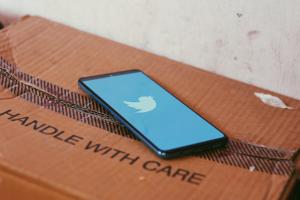 Twitter rolls out new prompts to help users review a potentially offensive reply