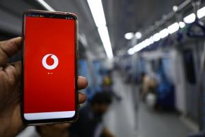 Vodafone Idea reports Rs 11463 crore loss after one-time adjustment towards AGR