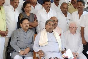 Why werent beds increased Siddaramaiah accuses Ktaka govt of mismanagement