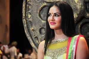 Sunny Leone to make her Mollywood acting debut with Rangeela