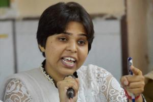 Trust Kerala govt to protect us Trupti Desai and 6 others to visit Sabarimala on Nov 17