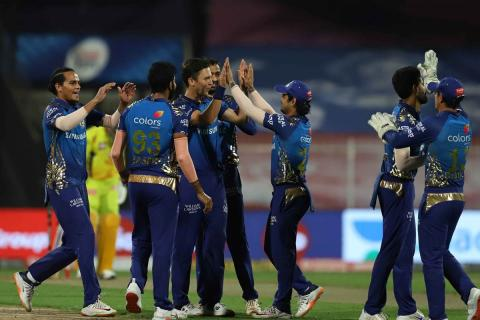 CSK's woes continue as they lose to MI by 10 wkts
