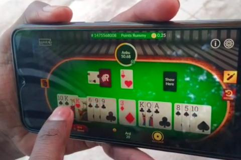 Online rummy on mobile phone
