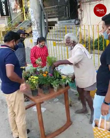 Bengalureans come forward to help elderly man selling plants on roadside