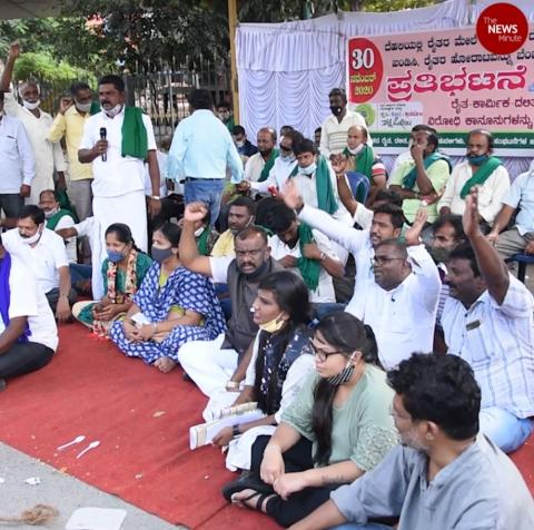 Protest in Bengaluru to support protesting farmers in Delhi