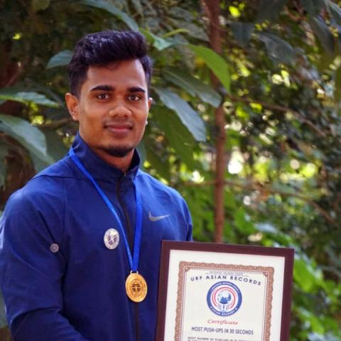 Kerala fitness trainer breaks URF Asian record for most push-ups in 30 seconds.