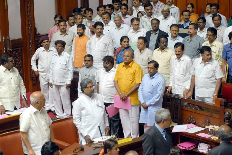 Now former Congress MLA threatens to behead BJP leader
