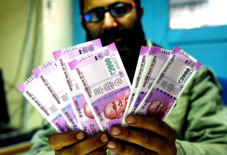 Rs 2000 notes Madras HC asks under what authority Centre used Devanagari numerals