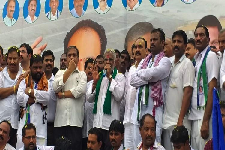 Ex-YSRCP MP launches padayatra for Veligonda project, TDP