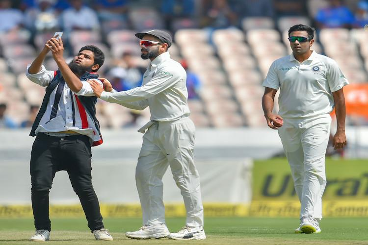 19-year-old Hyderabad man booked for invading pitch embracing Virat Kohli