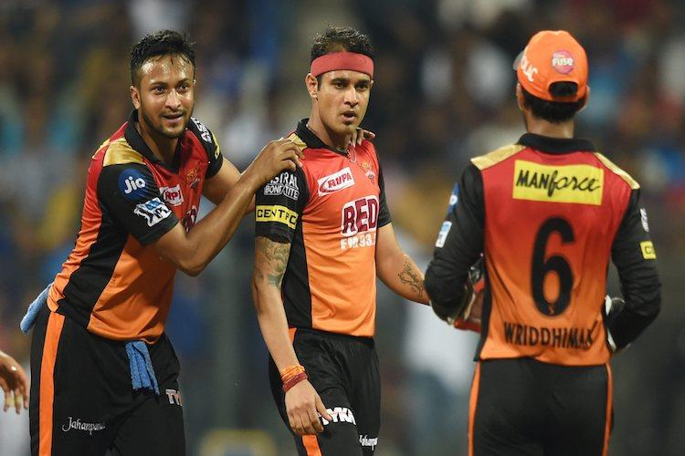 Bowlers steal the show for Sunrisers Hyd as MI collapse chasing low total
