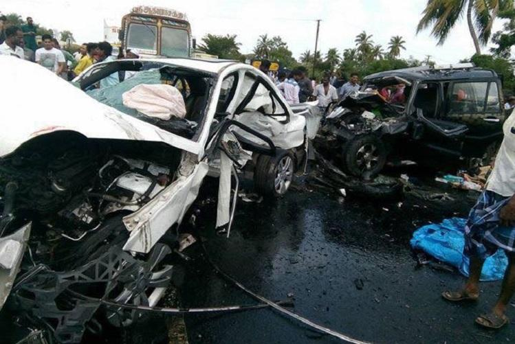 Six dead in fatal accident involving 3 cars on Chennai Bengaluru highway