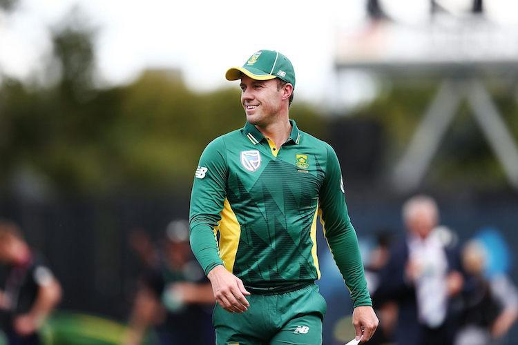 Ab de Villiers calls time on glittering 14-year international career