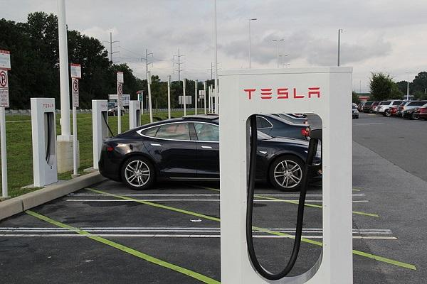 Govt to Tesla: No local sourcing required for manufacturing in India