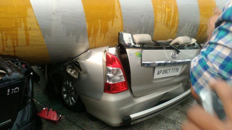 VideoHeavy rains pound Hyderabad fallen poles damage vehicles