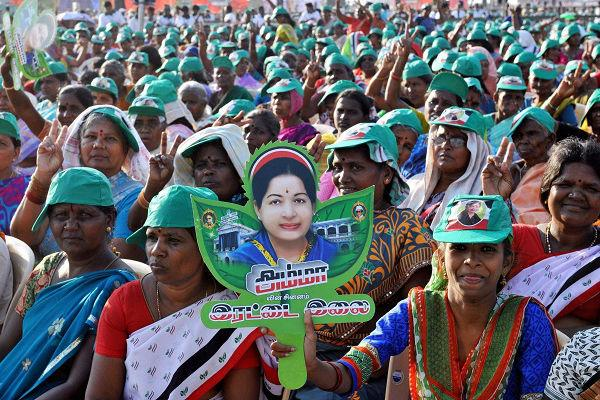Jayalalithaa looks at second consecutive term as CM big washout for Third Front