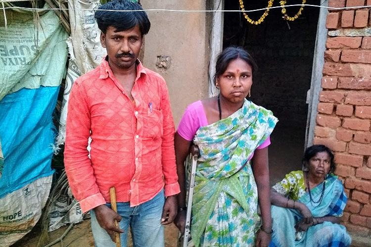 When red tape creates hunger How Aadhaar-linking is denying food to people in Ktaka