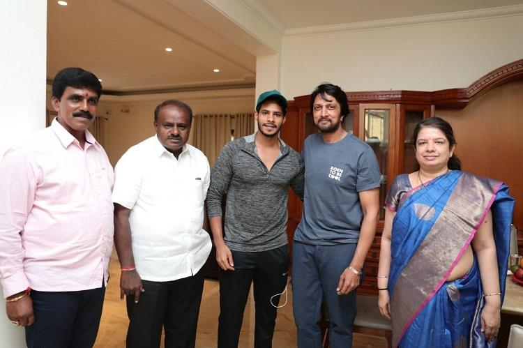 Kichcha Sudeep meets Kumaraswamy Why the actor is likely to campaign for JDS