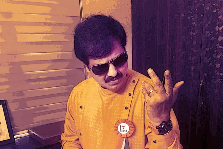 Actor Vivek stylish sunglasses
