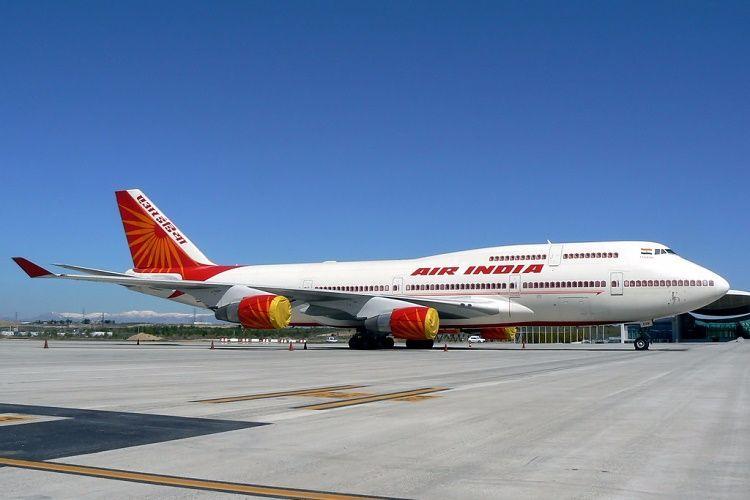 Air India blacklists Shiv Sena MP for assaulting staffer
