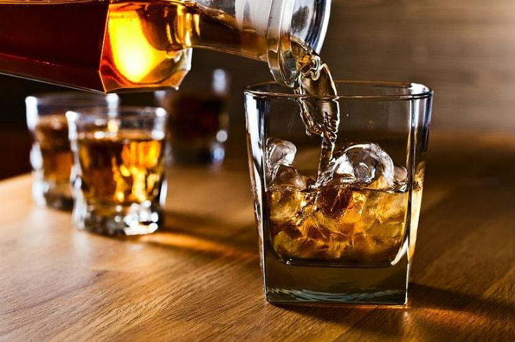 As liquor ban looms over major Bengaluru joints bar owners mull renting licenses