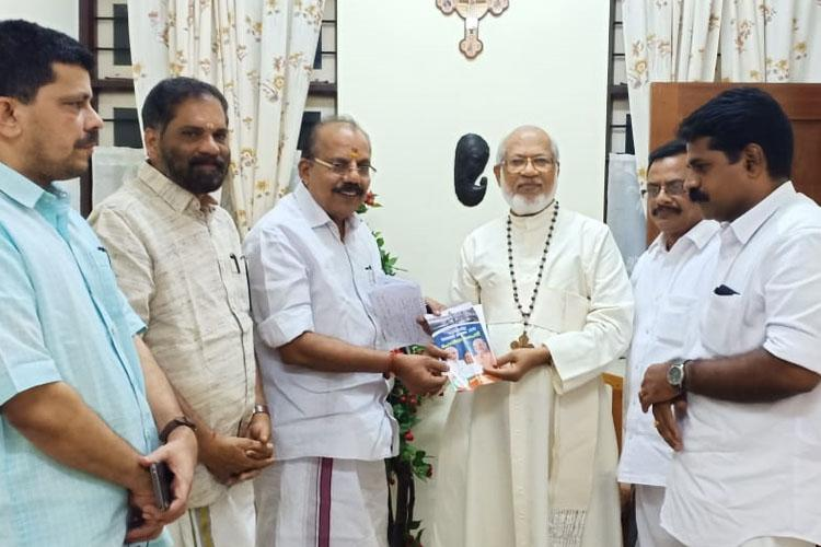 Cardinal Alencherry draws flak for receiving pro-CAA pamphlet from BJP