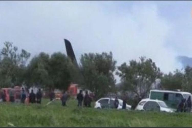 Algeria military plane crashes leaving hundreds dead