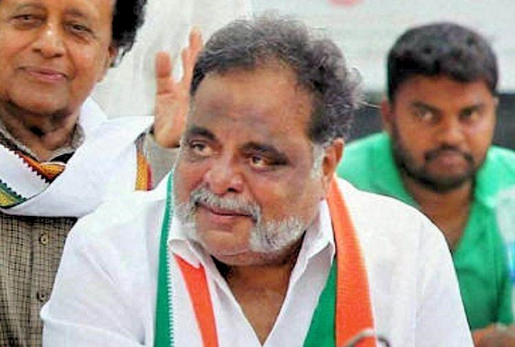 Mandya MLA Ambareesh plays hide-and-seek after being given Congress ticket
