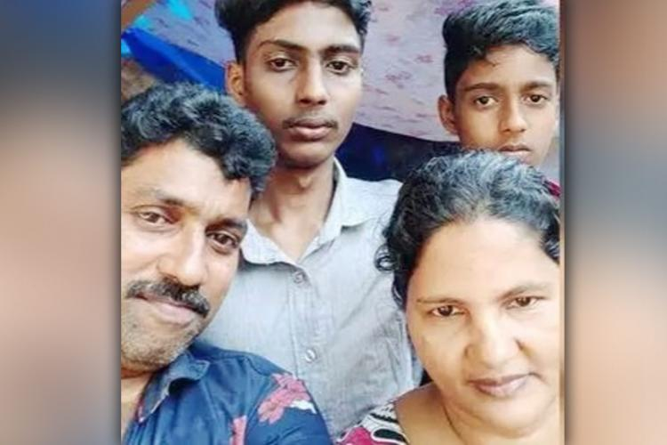 Kerala Couple Rajan and Ambili takung selfie with sons