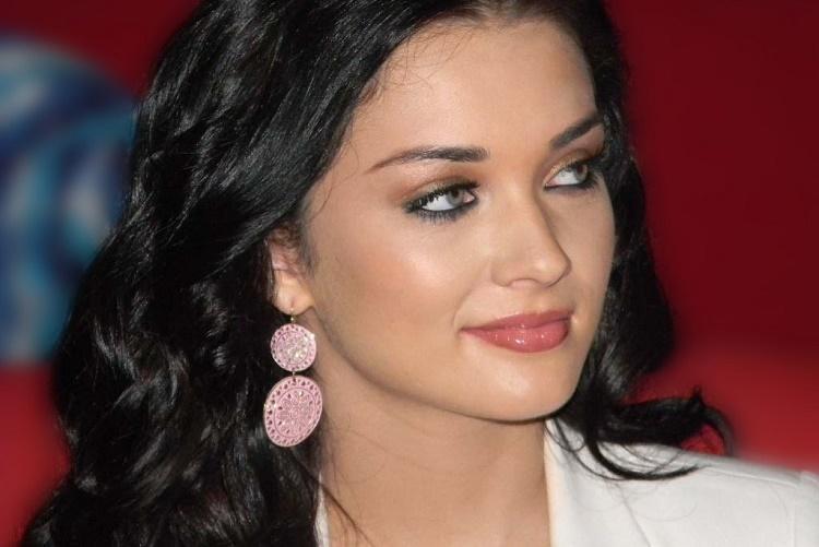 Amy Jackson to shoot action sequences for next Rajini-starer 2o