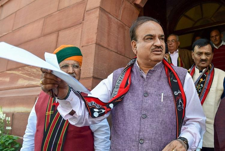 Ananth Kumar the BJP man who braved scandal with a smile