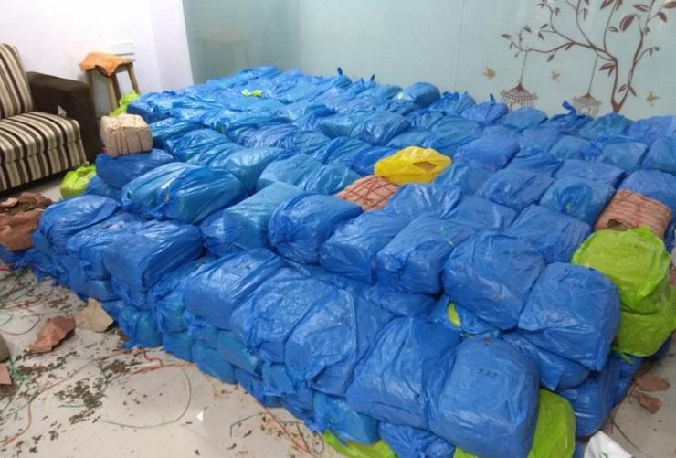 Ganja worth Rs 12 cr weighing 842 kg seized near Vijayawada