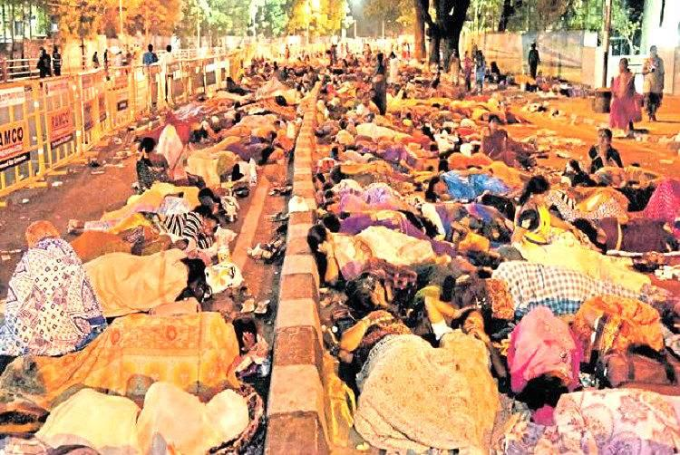 Their protest succeeds Karnataka CM increases wages of anganwadi workers